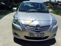 Cần bán xe Toyota Vios 1.5 E sản xuất 2010, màu bạc giá cạnh tranh