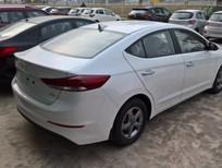 Cần bán xe Hyundai Elantra 2016, màu trắng nhiều khuyến mại