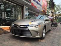Cần bán Toyota Camry LE 2.5L năm 2015, màu vàng, nhập khẩu