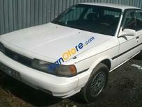 Bán xe cũ Toyota Camry đời 1993, màu trắng số sàn, giá tốt