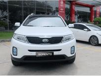 Cần bán Kia Sorento GAT đời 2017, màu trắng