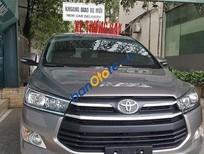 Cần bán Toyota Innova V sản xuất năm 2017, màu xám