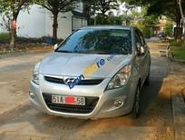 Chính chủ bán Hyundai i20 AT đời 2010, màu bạc, giá tốt
