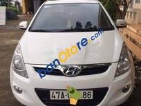Bán xe cũ Hyundai i20 AT sản xuất 2010, màu trắng, giá 415tr