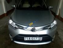 Cần bán gấp Toyota Vios E đời 2015, màu bạc xe gia đình