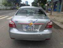 Cần bán xe Toyota Vios E đời 2013, màu bạc xe gia đình