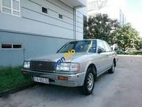 Cần bán gấp Toyota Crown MT đời 1993, màu bạc số sàn