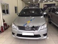 Bán Toyota Innova 2.0 E năm 2013, màu bạc số sàn, giá chỉ 650 triệu
