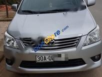 Cần bán xe Toyota Innova 2.0E đời 2013, màu bạc số sàn
