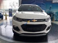 Cần bán xe Chevrolet Trax sản xuất 2017, màu trắng
