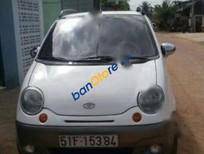 Cần bán xe Daewoo Matiz SE đời 2004, màu trắng còn mới