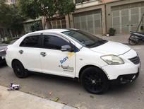 Cần bán gấp Toyota Vios năm 2010, màu trắng