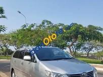 Bán ô tô Toyota Innova 2.0 E đời 2013, màu bạc xe gia đình, giá 615tr