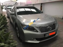 Bán Toyota Camry 2.5Q sản xuất 2014, màu bạc xe gia đình