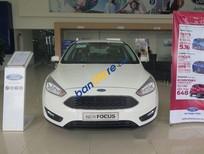 Bán Ford Focus AT đời 2017, màu trắng