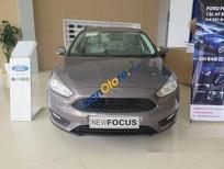 Bán xe Ford Focus AT đời 2017, màu xám