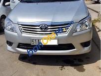 Cần bán xe Toyota Innova E 2013, màu bạc