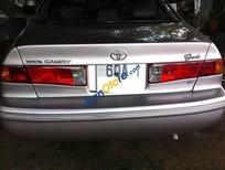 Cần bán ô tô Toyota Camry 2001, số sàn, nhà dùng