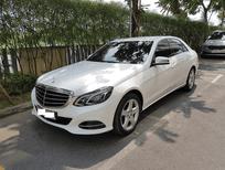Bán xe Mercedes đời 2014, màu trắng, số tự động