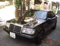 Cần bán Mercedes E 1990, màu đen, xe nhập, 70 triệu