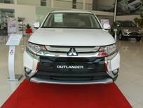 Bán xe Mitsubishi Outlander tại Đà Nẵng, màu trắng, liên hệ: Đông Anh 0931911444