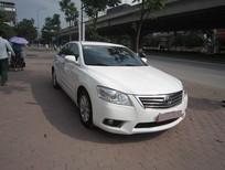 Cần bán gấp Toyota Camry 2011, màu trắng, xe nhập, 699tr