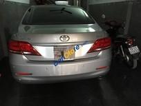 Cần bán Toyota Camry 2.4G 2010, màu bạc, 770 triệu