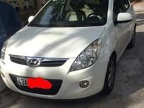 Cần bán xe Hyundai i20 1.4 AT đời 2010, màu trắng, giá 390tr