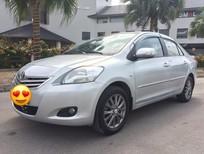 Gia đình cần bán chiếc xe Toyota Vios dòng 1.5E màu bạc, đời 2010 sản xuất tại Việt Nam, giá 288 triệu