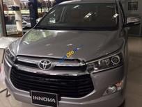 Bán ô tô Toyota Innova V năm sản xuất 2017, màu xám