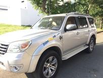 Ford Everest AT năm 2011, màu bạc, xe như mới, xem là ưng ý