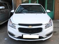 Cần bán gấp Chevrolet Cruze đời 2016, màu trắng, số sàn