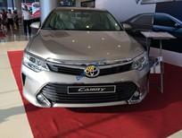 Bán ô tô Toyota Camry 2.0E AT năm 2017, đủ màu, giao xe ngay giá cực tốt