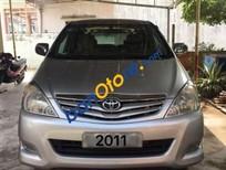 Bán xe Toyota Innova G sản xuất 2011, màu bạc số sàn