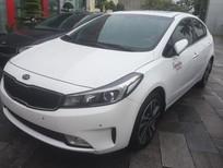 Cần bán xe Kia Cerato đời 2018, màu trắng - Lh: 0966199109
