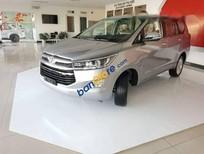 Cần bán xe Toyota Innova V năm sản xuất 2017, màu bạc