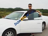 Cần bán lại xe Toyota Camry đời 2003, màu trắng, xe nhập