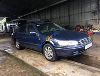 Bán xe Toyota Camry đời 2000 chính chủ, giá 290tr