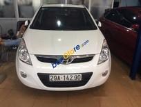 Cần bán gấp Hyundai i20 AT 2010, màu trắng