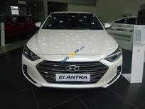 Bán Hyundai Elantra năm 2017, màu trắng