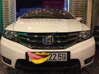 Cần bán gấp Honda City năm 2014 AT, màu trắng, 465 triệu - xe gia đình mua mới từ hãng Honda