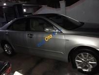 Cần bán gấp Toyota Camry 2.4 sản xuất 2010, màu bạc số tự động