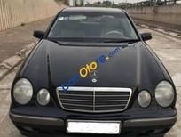 Cần bán gấp Mercedes E240 đời 1999, máy móc êm ru không lỗi lầm gì