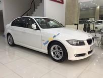 Cần bán BMW 3 Series 320i đời 2011, màu trắng, nhập khẩu nguyên chiếc