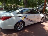 Bán Hyundai Sonata năm sản xuất 2011, màu trắng, giá chỉ 622 triệu