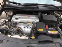 Bán Toyota Camry 2.0 đời 2013, màu vàng còn mới