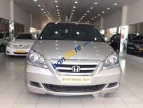 Cần bán lại xe Honda Odyssey năm sản xuất 2005, màu bạc