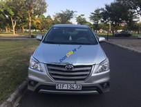 Xe Toyota Innova 2.0 E sản xuất năm 2015, màu bạc