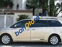 Cần bán xe Toyota Sienna sản xuất 2015, màu vàng, xe nhập