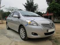 Cần bán xe Toyota Vios 1.5E sản xuất năm 2010, màu bạc, giá tốt
